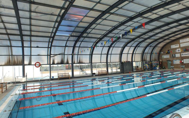 mor un home de 66 anys a la piscina municipal de balaguer